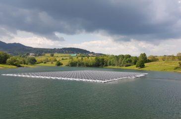 o-solaire-le-premier-parc-flottant-photovoltaique-a-430-000-euros-de-la-cnr-a-mornant-1024x576