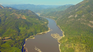 Overivew-of-the-Mekong-River-in-Luang-Prabang-area-cover__FillWzcxMCwzOTld