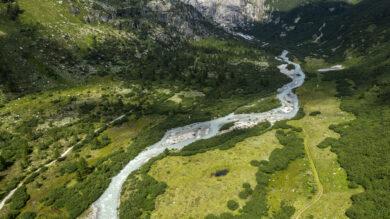 Suisse, Canton du Valais, Obergoms, Gletsch, Le Rhone dans la Vallee (vue aerienne)