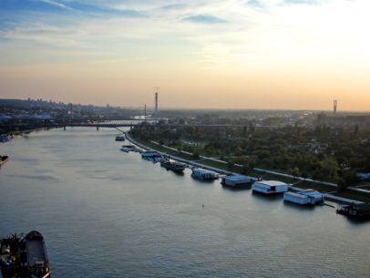 Aerial_view_of_the_Sava_River_in_Belgrade_-a